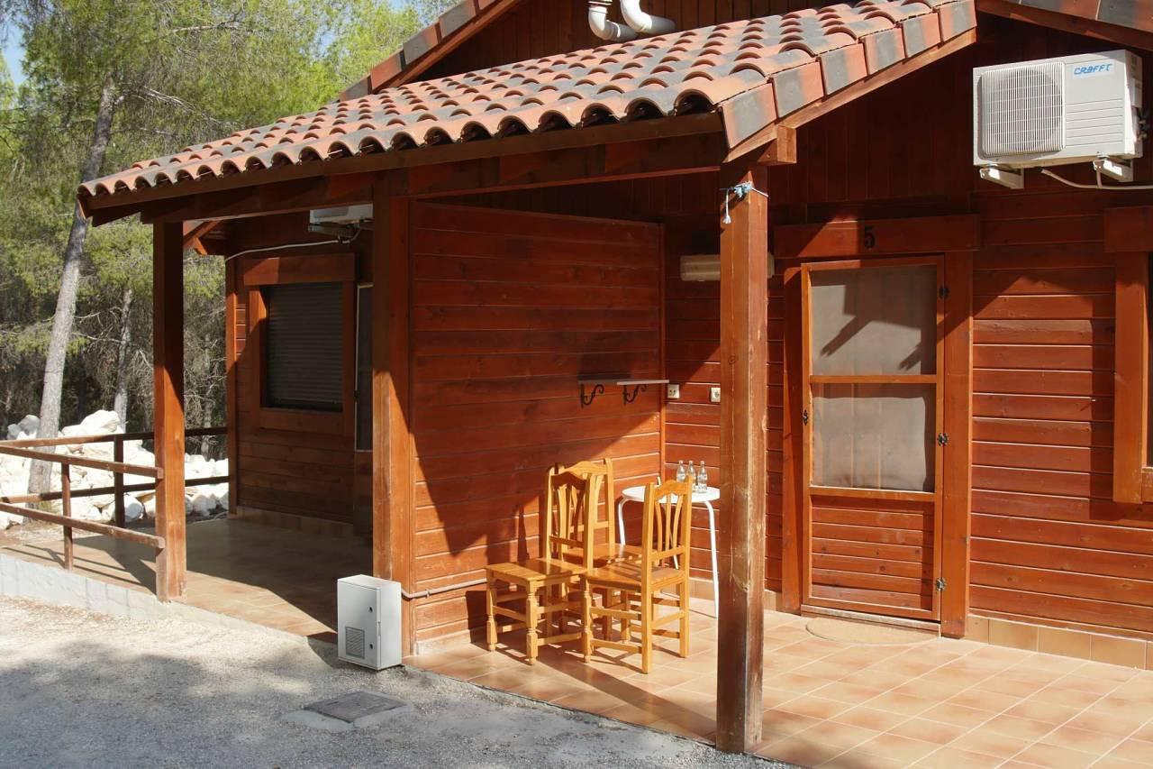 Casas de madera camping los viveros for Habitaciones prefabricadas precios